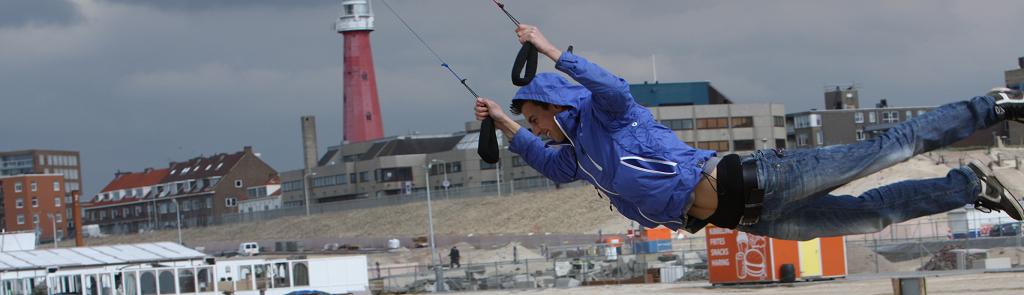 Powerkiten springen Scheveningen Flitz-events