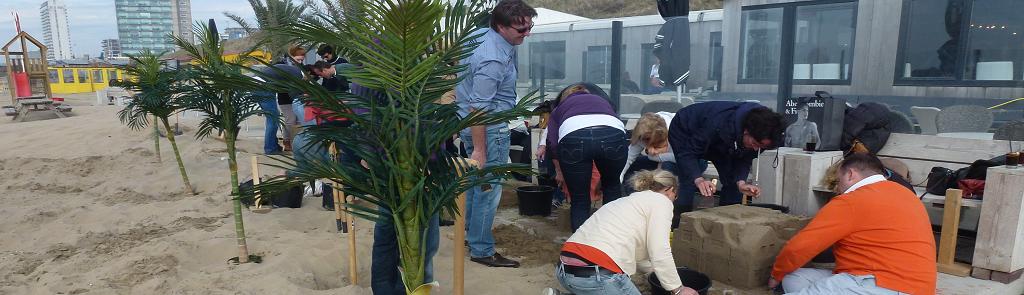 Zandsculpturen bouwen bedrijfsuitje Scheveningen Flitz-events
